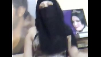 me in niqab dancing with cock-wringing.