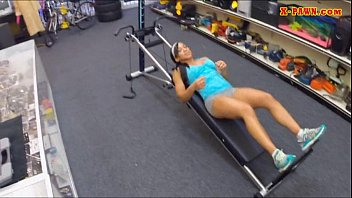 Sporty babe posed naked and screwed up in the pawnshop