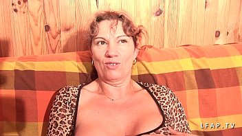 mature libertine aux gros seins grave dual penetree.