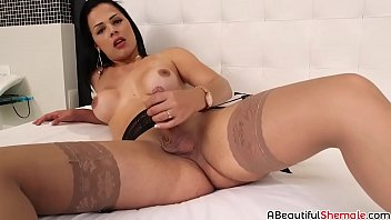 steaming dark-hued-haired bruna castro doing a cute solo onanism