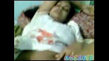 desi aunty sleeping  vulva finger-screwing by neighbor 2