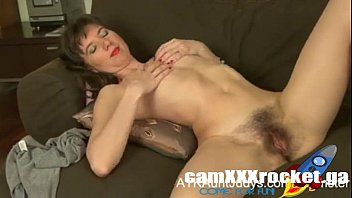victoria frigs her moist poon and gets off.