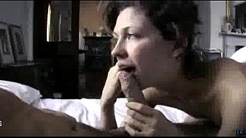Good looking gf shows her oral skills in bed