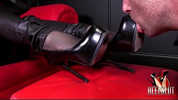 how to slurp princess shoes decently