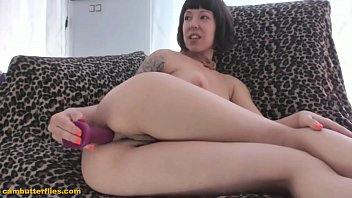 Webcam girl anal masturbation - live at www.cambutterflies.com