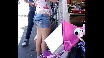 esta nena se avento un pedito con premio.
