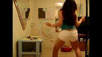 Busty Latina Shaking Her Sexy Ass - spankbang.org