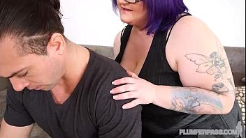cougar plus-size billie austin trains dude.