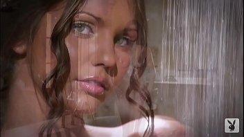 kyra milan lubes up her banginrsquo_.