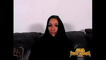 iranian ultra-cute mom love to smash