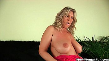 Natural mature big tits collection