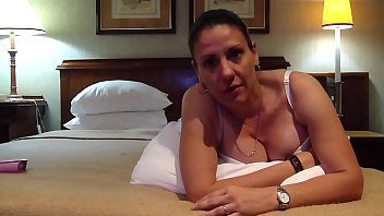 Vice Ministra de Juventud Karina Bola&ntilde_os  Haciendo un video a su Amante '_Pequis'_, e