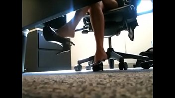 cams4freenet - office hanging slingback high-heeled.