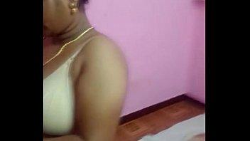 chennai desi bhabhi aunty liquidating her boulder-possessor and sundress