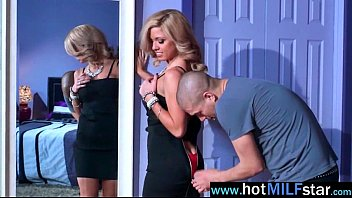 sizzling cougar parker swayze like to deepthroat and.