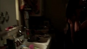 emmy rossum - shameless s01e01