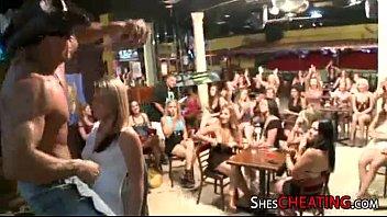 soiree femmes love masculine-stripper