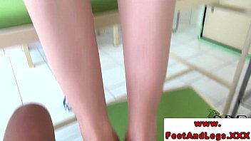 Footjob fetish babe tugging with feet in hot high def
