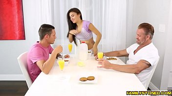 Two big cocks gets a steaming blowjob simultaneously