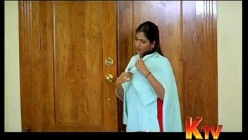 bhuvaneswari aunty clevage demonstrate